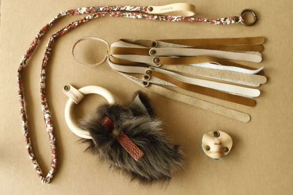 Kit avec un poolpe en cuire, un toodoo, un greloo et une canapêche en tissu